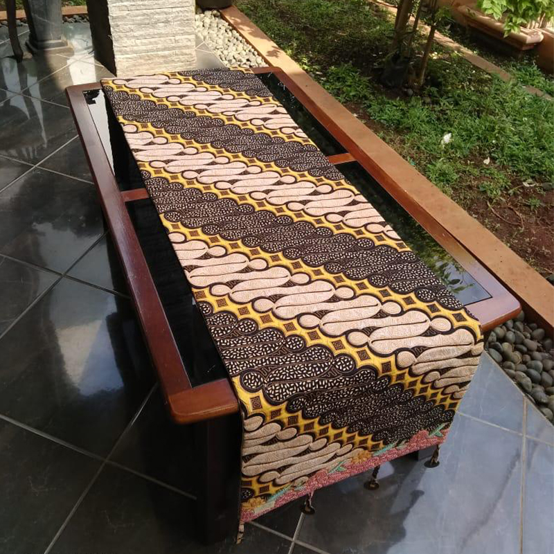 Table Runner Motif Batik