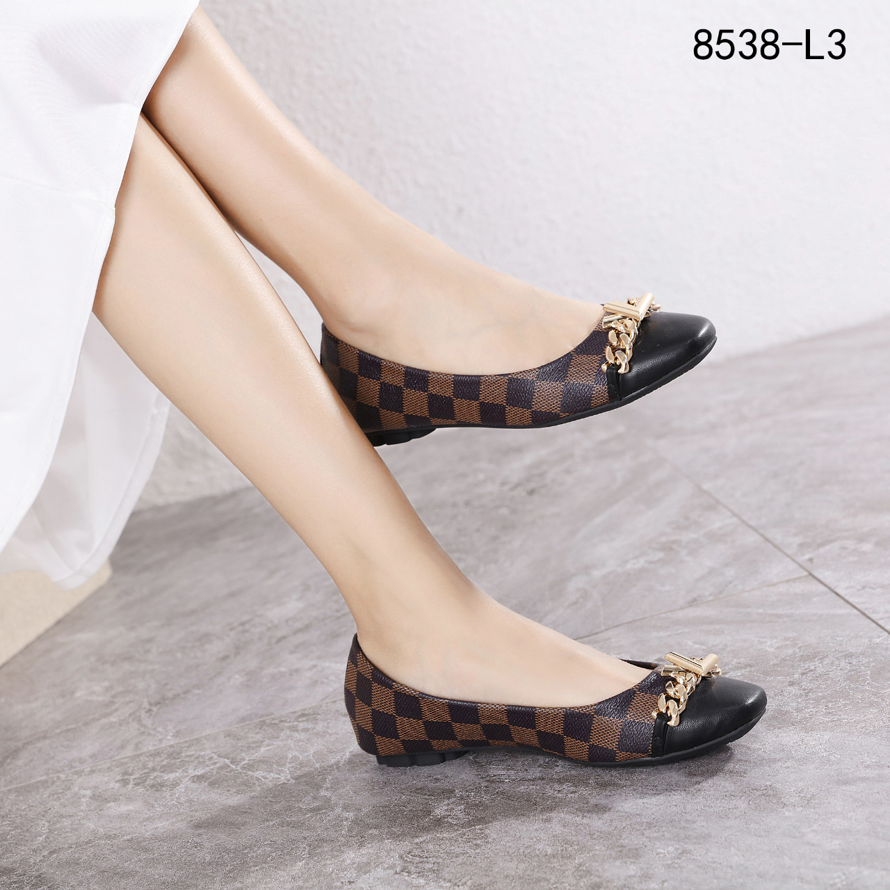 New Arrivall !  New Item !   * LV Logo Gold Hardware Flats Shoes #8538-L3*